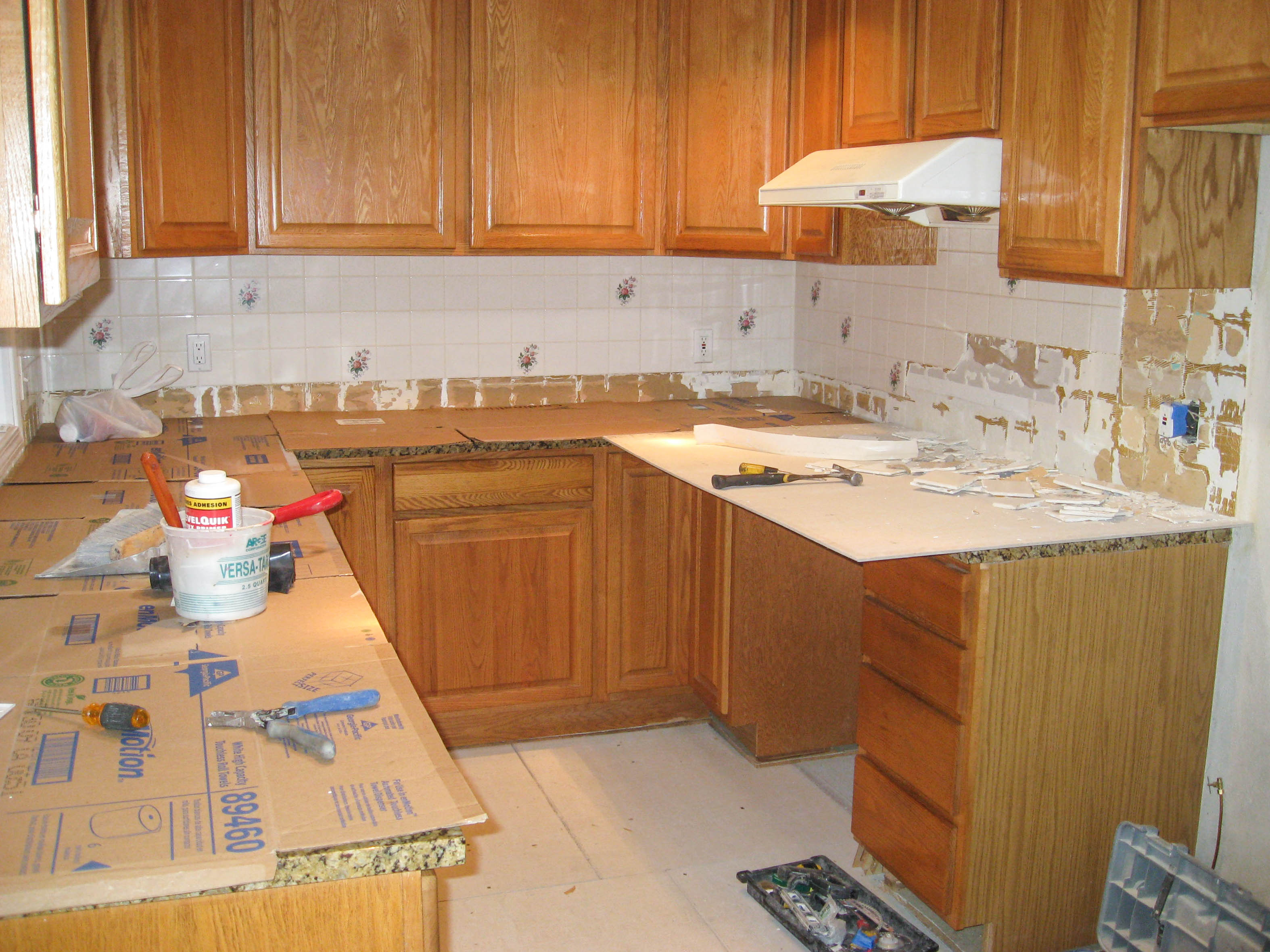 kitchen-backsplash-4a-before