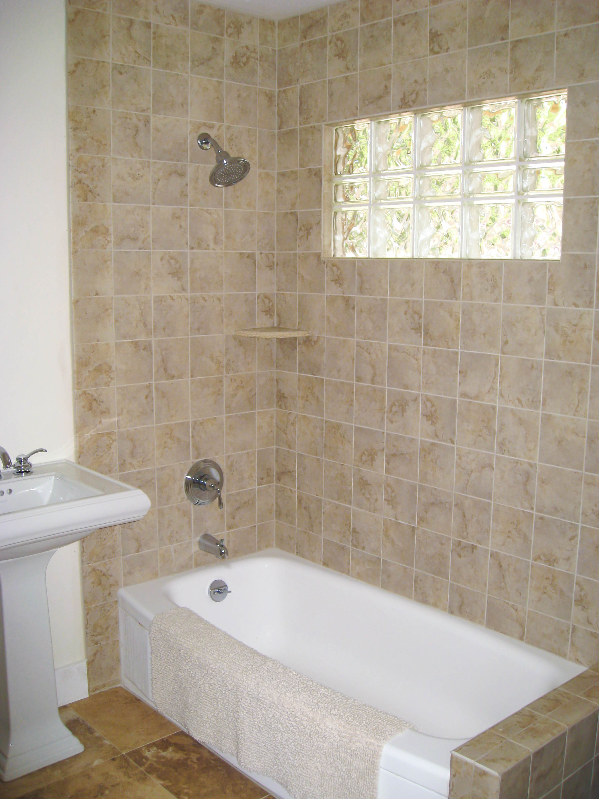 Tub surrounds seattle tile contractor irc tile services for Decorating ideas tub surround